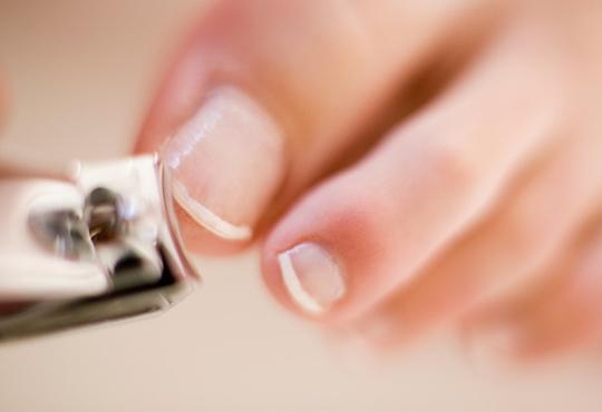 How to cut normal toenails